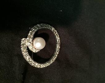 Vintage Marvella brooch