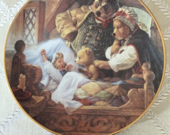 "Classic Fairy Tales ""Goldilocks and the Three Bears"" Plate"
