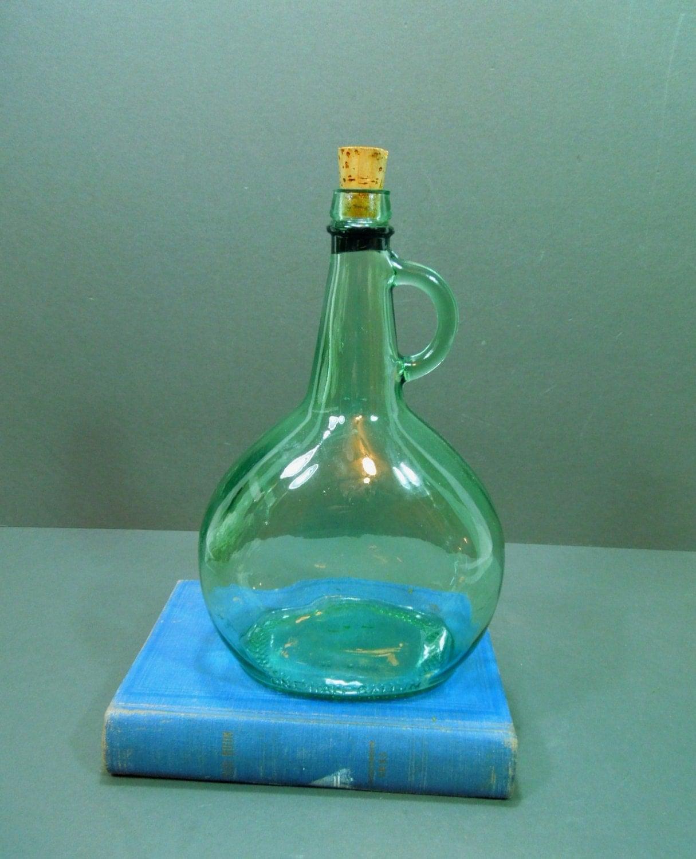 Green glass bottle wine bottle cork stopper one half for Green glass wine bottles