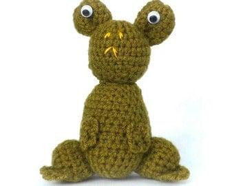 Crochet Kit - Feargal Frog