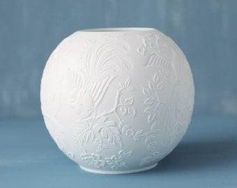 Beautiful vintage Bisque White Vase, Kaiser, Germany