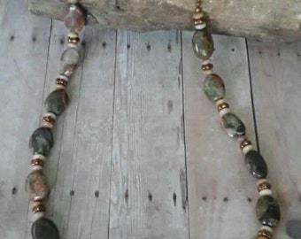 Casual camo agate and onyx necklace