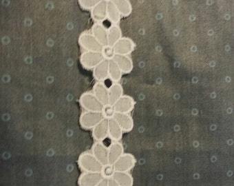 Daisy Lace Trim sold by the yard