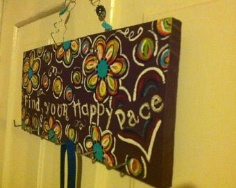 "Runner Medal Holder ""Find Your Happy Pace"""