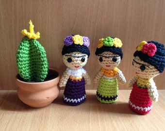 Frida Kahlo (Three dolls)