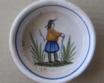 Circa 1900 Vintage Henriot Quimper Made In France ceramic Ramikin