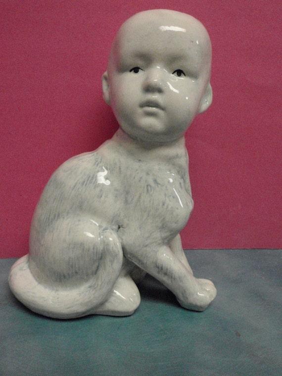 Man Kat  Sculpture Vase