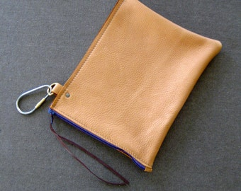Half turned clip zip pouch - removable pocket for wedge bags - Mustard leather