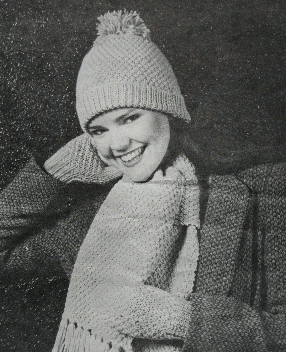 Knitting Patterns Hat Scarf and Mittens Beehive 334 Women