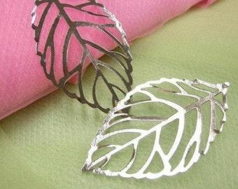 6pc large antique silver metal leaf pendent-2432