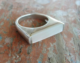 Sterling Silver Mother of Pearl Ring Minimalist Ring US size 7