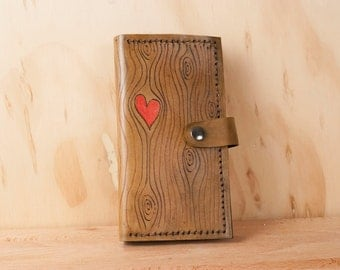 Leather iPhone 6+ Case - Nice pattern with wood grain and heart - red and antique brown - Handmade for iPhone 5, 6, 6+, SE, 7 or 7+