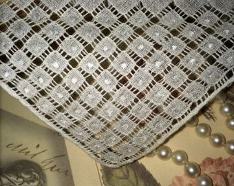 Lovely Vintage Madeira Made Wedding Handkerchief 4 Corner Pull Threads