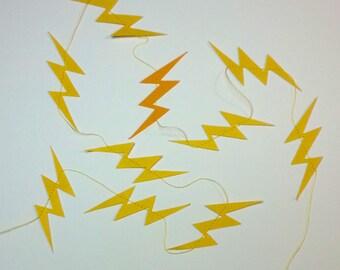 lightning 3 feet