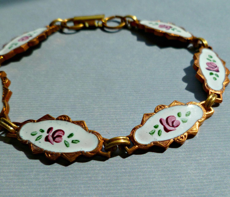 Vintage Solid Brass Hand White Enameled Flower Bracelet (25-4F-1)