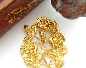 CLOSEOUT * Brass Floral Rose ~ Victorian Flower Stamping ~ Jewelry Findings (FB-6021)