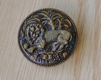 Antique Brass Lion Picture Button