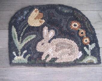 Primitive Hooked Rug   ~ Bunny In The Garden ~ Folk Art Rabbit