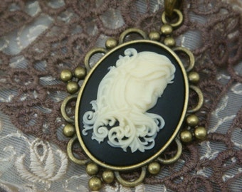 Modern Classic Cameo Necklace