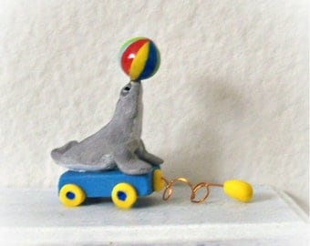 Miniature Dollhouse Seal Pull Toy - Sassy Seal - Hand Sculpted 1:12 Scale Gray Seal Toy