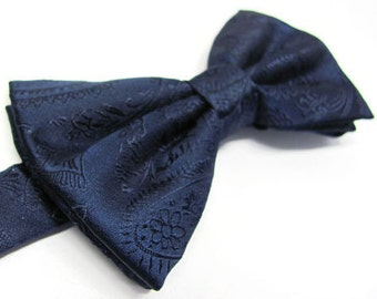 Mens Bowtie. Navy Blue Paisley Bowtie With Matching Pocket Square Option