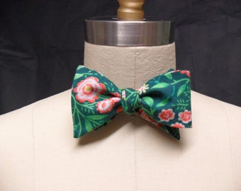 Hot House Green Floral Bow Tie