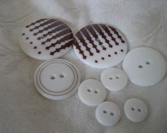 Lot of 7 Brown & White Print Plastic BUTTONS