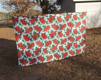 Vintage Christmas Tablecloth 56x90 Farmhouse Christmas Decorations Red Green Tablecloth Poinsetta Fabric