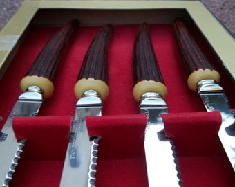 Set 4 Vintage Mid-Century Forgecraft USA Stainless Steak Knives w Bakelite Faux Horn Handles in Box~EXCELLENT!