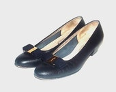 1980s Salvatore Ferragamo heels / vintage 80s Ferragamo shoes / 8.5 / leather / Ferragamo Vara Heels in Black