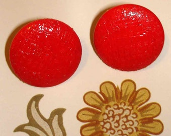 festive holiday vintage cherry red enamel textured button pierced earrings