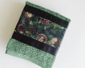 Christmas Pine Towel / Christmas Hand Towel / Green Pine Boughs - Brown Pinecones / Earthy Green Terry Towel / Kitchen Towel / Gift Under 15