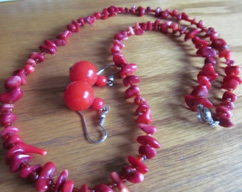 Red coral necklace plus