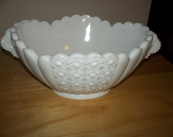 Fenton daisy button bowl