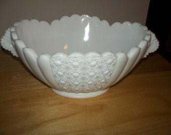 Fenton daisy button bowl