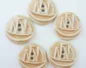5 x Ceramic Buttons With Sailing Boat Motif - Ship Design - Beige / Warm Light Brown Colour