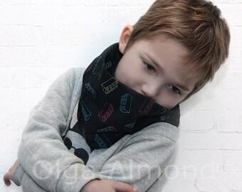 Children Black lego infinity scarf.