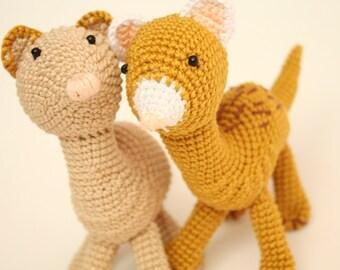 Crochet teething toys, 2 amigurumi ferret figurine, baby shower meerkat, stuffed ferret miniature, pets gift, wild baby toy, beige and brown
