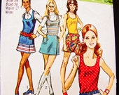 1970s Skirt Pattern Simplicity Misses size 14 Womens Tank Top with Mini Skirt, Culottes Pattern, Split Skirt Vintage Sewing Patterns