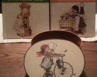 Vintage Holly Hobbie books with box