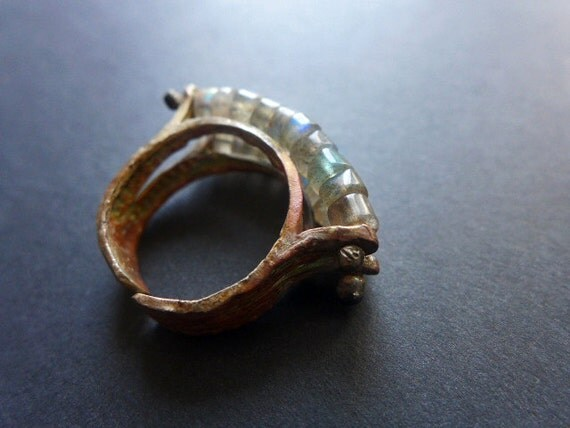 Bildung. Labradorite beads in rustic ring.