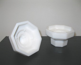 Vintage White Milk Glass Taper Candle Holders / Candle Holder / Set of 2
