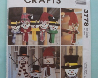 Christmas Home Decorations - McCalls Crafts 3778 -  Snowmen - Snowman Home Decor - Christmas Decoration