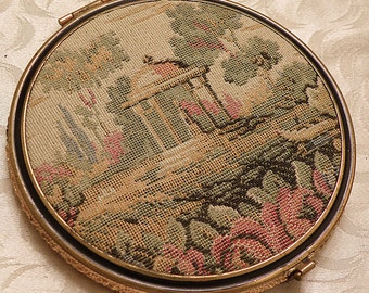 tapestry compact with two mirrors