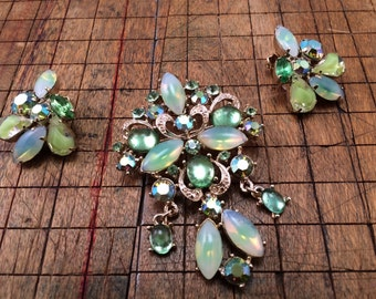 Stunning ART Demi Featuring a Variety of Art Stones - Gleaming collector set!