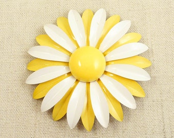 """SALE --- Vintage Yellow an White Painted Metal """"Here Comes The Sun"""" Daisy Brooch"""