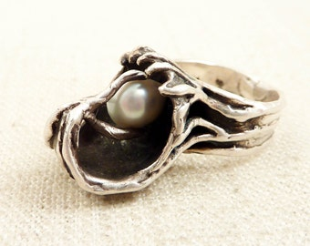 SALE --- Size 5.75 Vintage Artisan Made Organic Form Sterling Ring with Real Large Pearl Accent