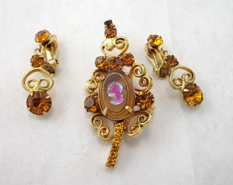 Rhinestone Brooch Earrings Vintage Lady Cameo Amber Glass D&E Juliana Celebrity Style 545