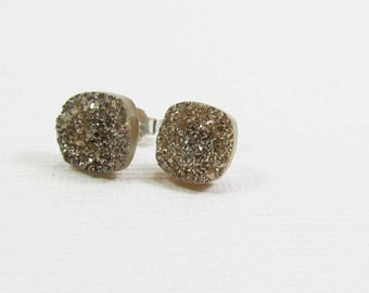 Druzy Gemstone . 8mm Rounded Square . Sterling Silver Posts Studs Earrings . Mystic Titanium Coated Tan . E15006