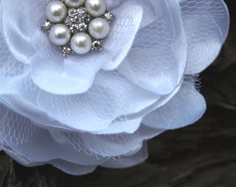 White Flower Brooch or Hair Clip